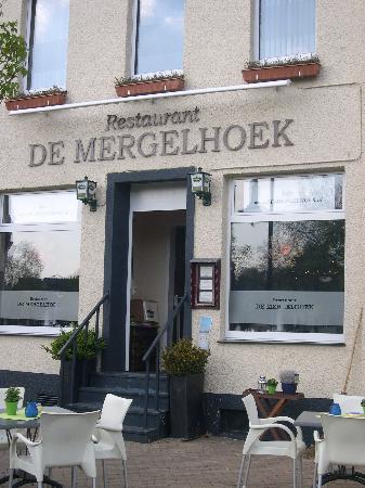 Restaurant 52 couverts met mooi terras en complete keuken in Brunssum, Parkstad Limburg foto 2