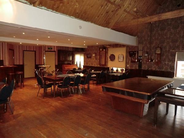 Cafe met cafetaria, zaal en bovenwoning HUURKOOP foto 8