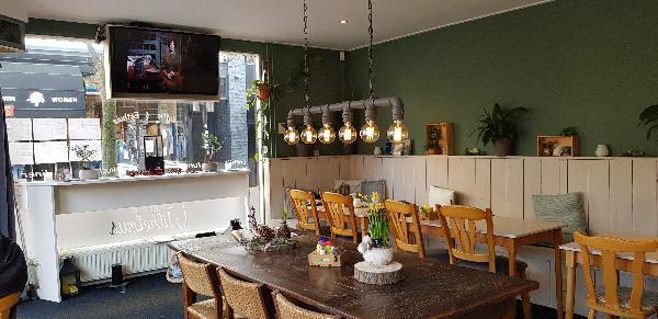Eetcafé met Terras en Bezorgservice  foto 4