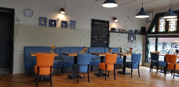 Eetcafé op driesprong aan doorgaande weg vanuit het centrum Deventer foto 19