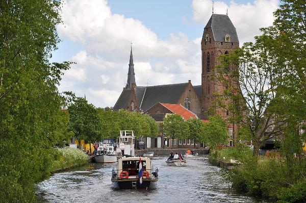 """Super A1 locatie in het mooie historische en waterrijke stadje van de provincie Utrecht met start- en eindpunt van de rondvaartboot en de zeer populaire ijssalon naast het Terras van """"Horecabedrijf De Kroeg"""" in Oudewater foto 10"""
