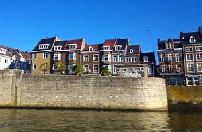 Te huur in centrum Maastricht leuke horecazaak zonder overname.  foto 4