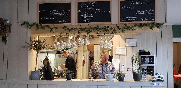 Eetcafé met Terras en Bezorgservice  foto 11