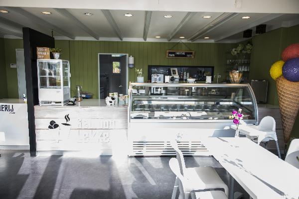 IJssalon, Stomerij en lunchroom in Echt (Limburg) foto 2