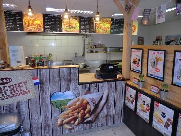 Drachten cafetaria / lunchroom / ijsverkoop / bezorging VERHUURD foto 1