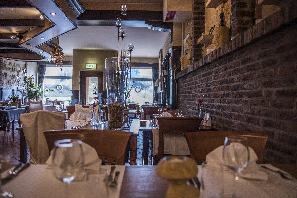 Restaurant 52 couverts met mooi terras en complete keuken in Brunssum, Parkstad Limburg foto 5