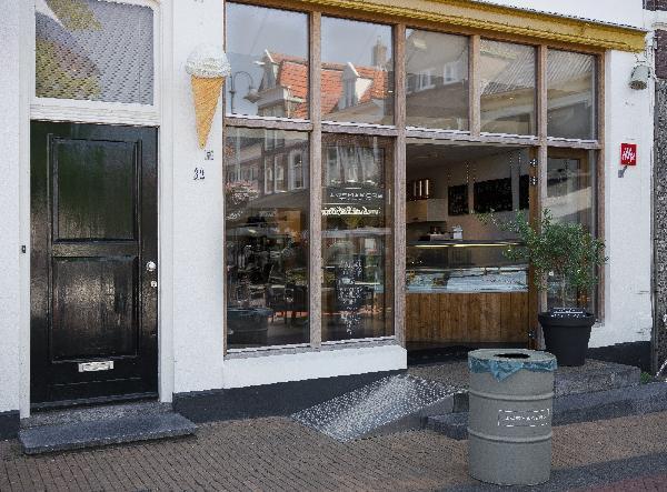 Steenwijk IJssalon en meer NIEUW foto 2
