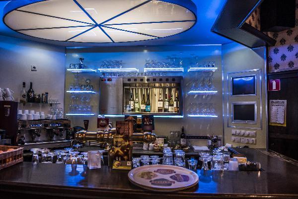Hotel in Valkenburg met 17 kamers en Brasserie foto 11