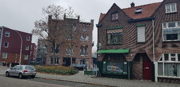 Eetcafé op driesprong aan doorgaande weg vanuit het centrum Deventer foto 2