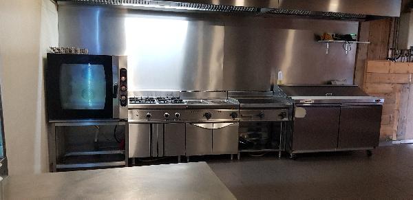 Afhaal & bezorg restaurant keuken, op super locatie op 2 adressen 2 bedrijven in 1 pand - Top Reviews foto 9