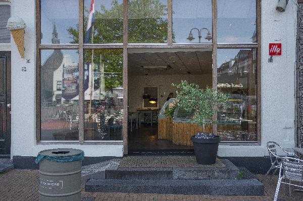 Steenwijk IJssalon en meer NIEUW foto 1