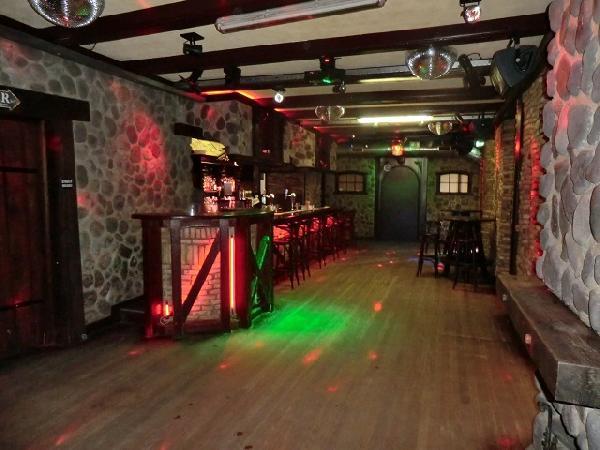 Buitenpost NIEUW overname inventaris Club39/Pub39 VERHUURD foto 10
