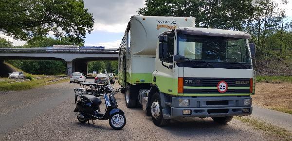 Friet & Snackfoodtruck Apeldoorn / Beekbergen standplaats op parkeerplaats/carpoolplaats  foto 25