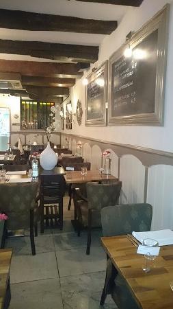 Sfeervol restaurant in monumentaal pand. foto 4