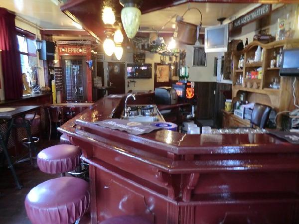Marrum cafe met snackbar en bovenwoning VERHUURD foto 8