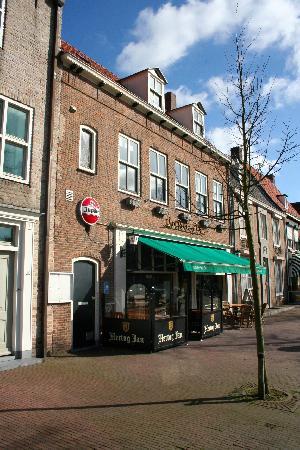 Bekend dorpscafé te huur in IJzendijke. foto 8