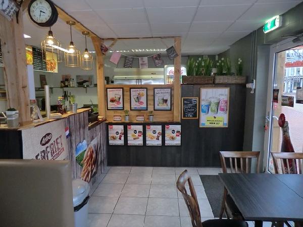 Drachten cafetaria / lunchroom / ijsverkoop / bezorging VERHUURD foto 2