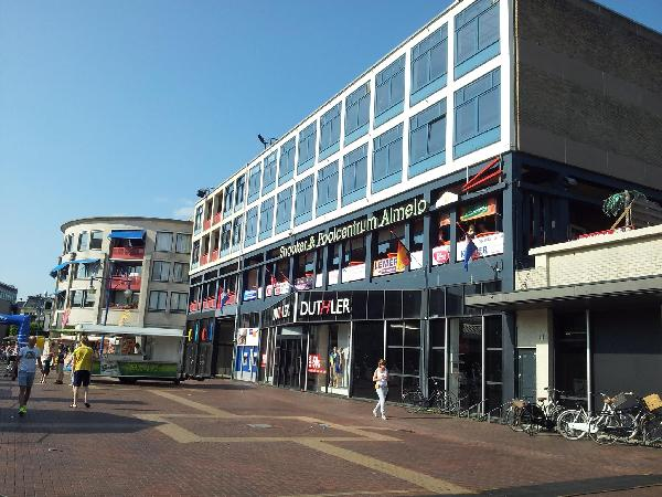 Party & Pool Carambole Dart Centrum Almelo 3 etages horeca 1800m2 foto 1