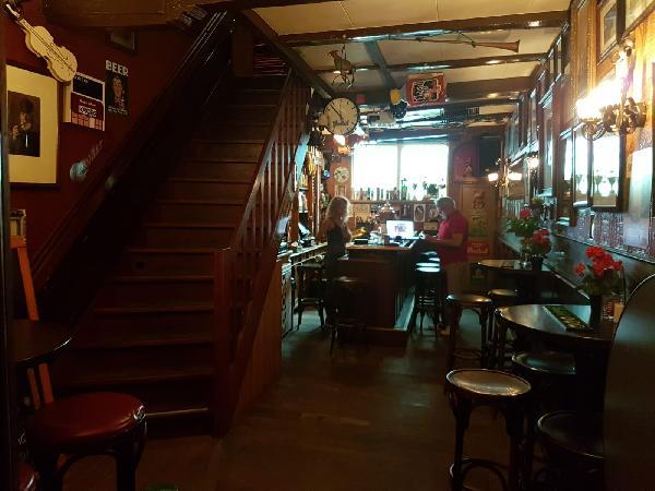 Café met 2 terrassen aan de Gracht en aanlegplaats rondvaartboot   foto 12
