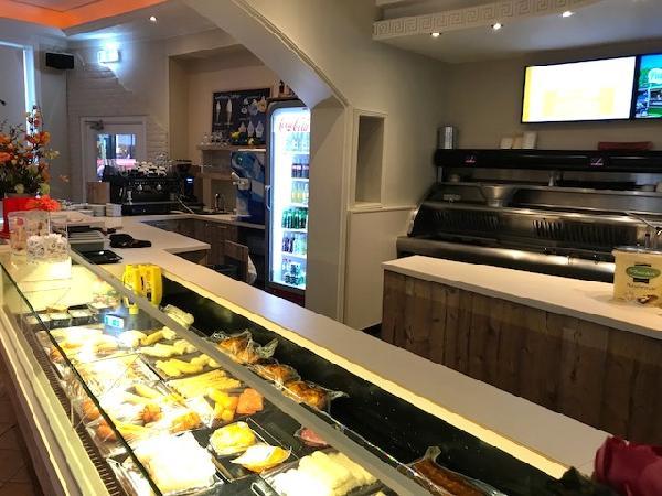 Cafetaria te koop in het Zuiden van het land met goede omzet. foto 1