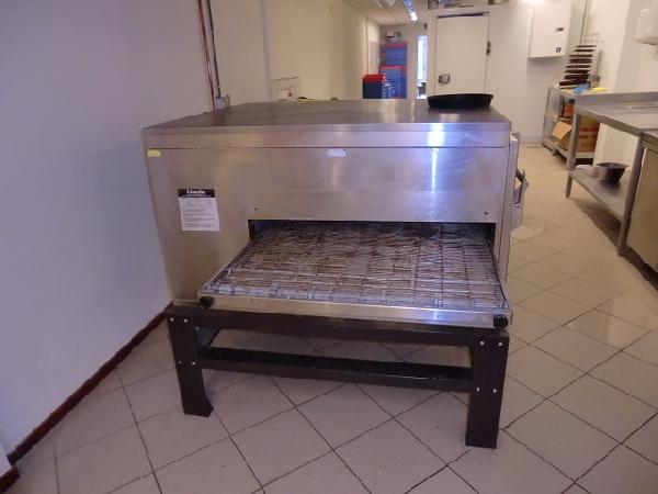 Zwolle pizzabezorging / afhaal volledig ingericht VERHUURD foto 5