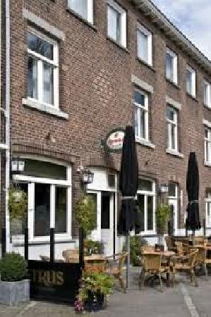 ter overname cafe Old Inn in Cadier en Keer vlakbij Maastricht foto 3