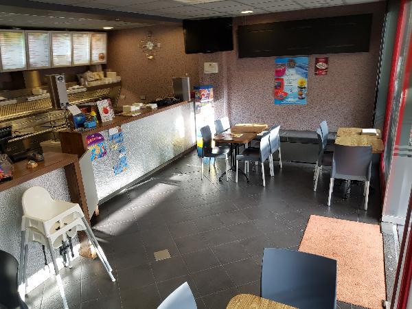 Cafetaria Eetcafé op super doorloop locatie in winkelcentrum met veel passanten  foto 4