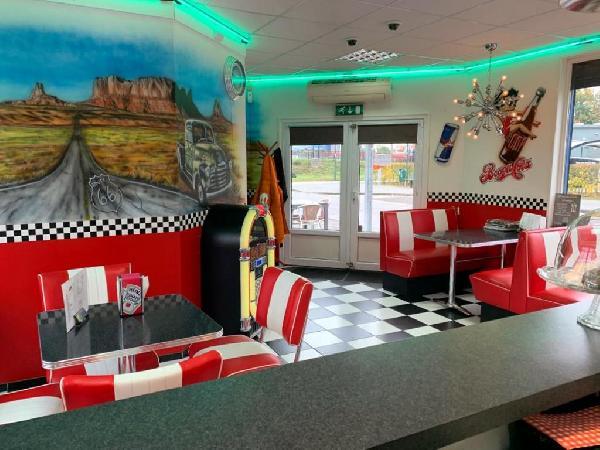 Lunchroom/hamburgerrestaurant ter overname aangeboden foto 4