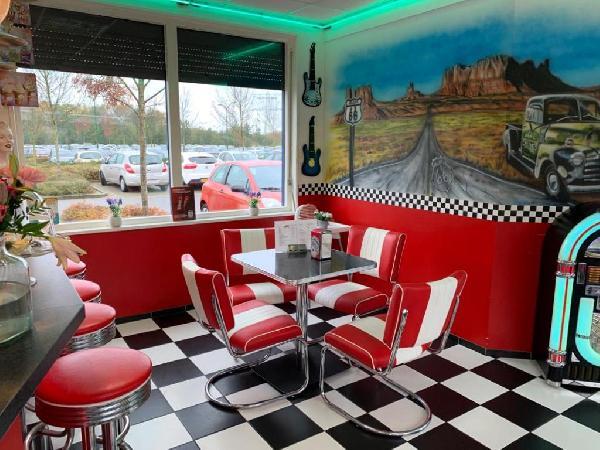 Lunchroom/hamburgerrestaurant ter overname aangeboden foto 5