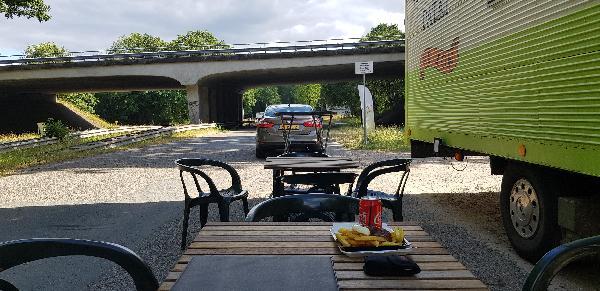 Friet & Snackfoodtruck Apeldoorn / Beekbergen standplaats op parkeerplaats/carpoolplaats  foto 4