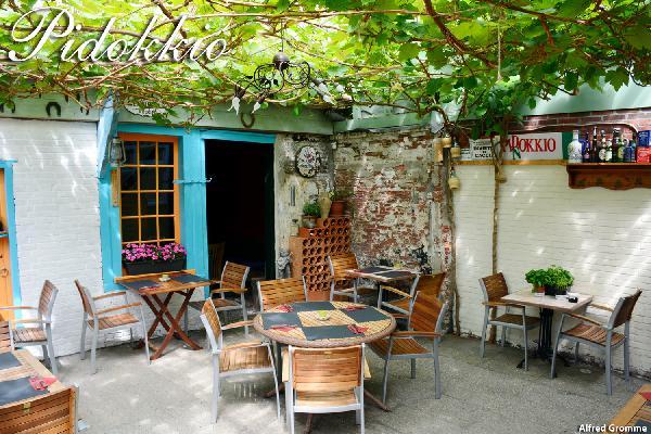 Leeuwarden het bekende pizzeria Pidokkio ter overname foto 8