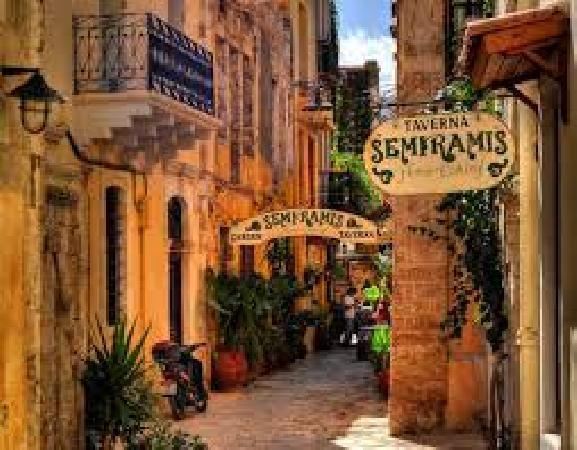 Te koop zeer mooi hotel in de bekende plaats Chania. foto 3