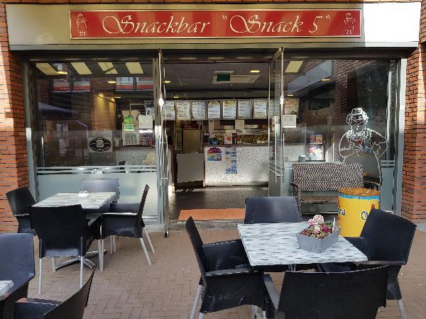 Cafetaria Eetcafé op super doorloop locatie in winkelcentrum met veel passanten  foto 2