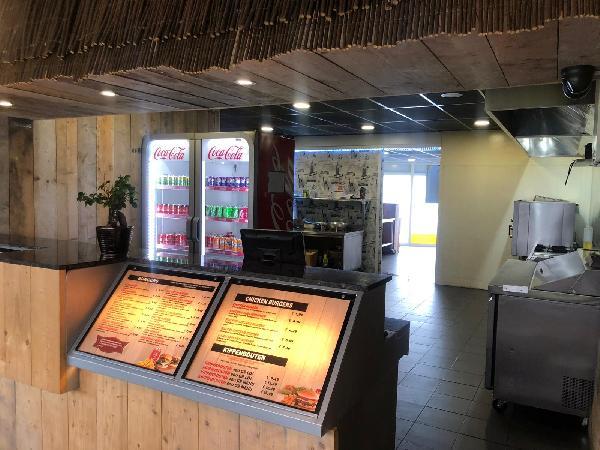 Afhaal & bezorg restaurant keuken, op super locatie op 2 adressen 2 bedrijven in 1 pand - Top Reviews foto 7
