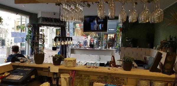 Eetcafé met Terras en Bezorgservice  foto 10