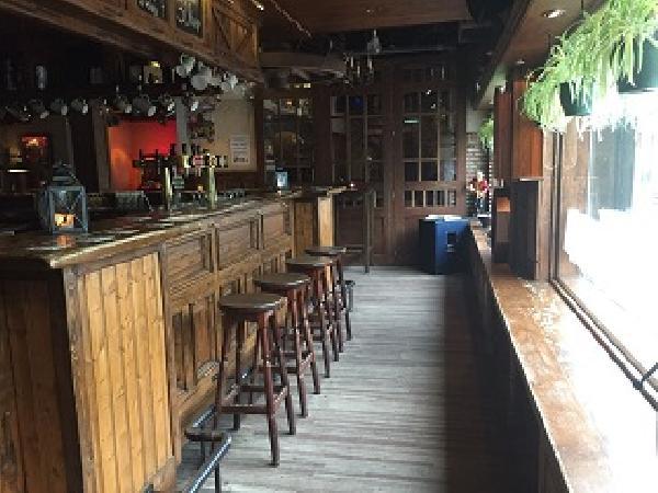 Te koop: café met zaal (Lazarus) in Sint Jansteen (Hulst). foto 4