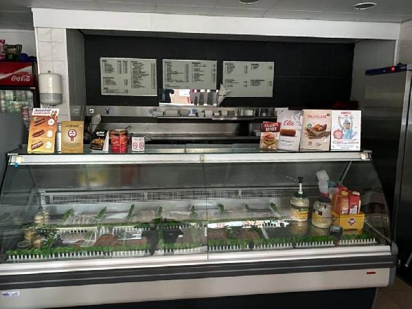 Cafetaria met bovenwoning te koop in Helmond foto 2