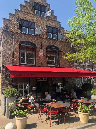 Sfeervol gerenommeerd restaurant in rijksmonument ter overname.  foto 1