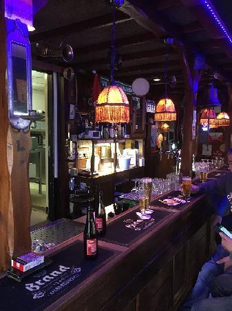 Eetcafé met zaal, terras en bovenwoning in Vogelwaarde (Zeeuws-Vlaanderen) te koop. foto 4