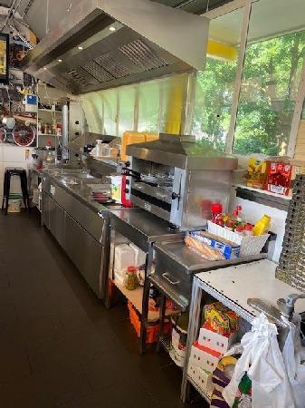 Shoarma/Pizza/ Koffiecorner station Rosmalen te koop foto 4