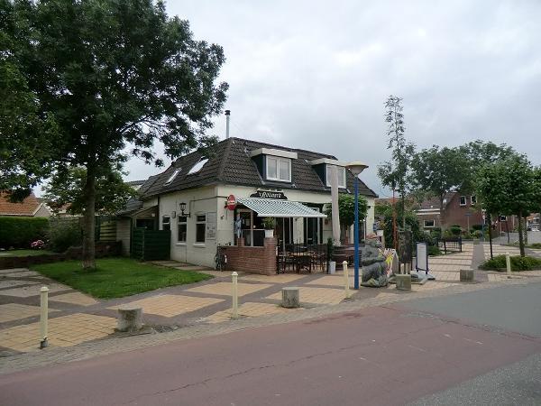 Marrum te huur cafe met snackbar en ruime bovenwoning VERKOCHT foto 3