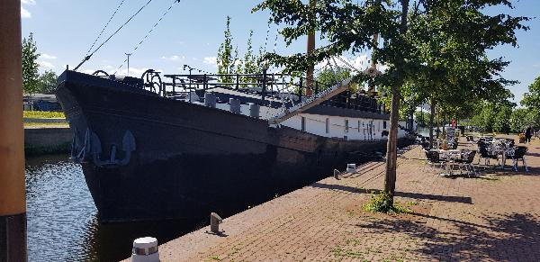 Pannenkoekenboot & à la carte restaurant Haven Noordzijde 65 foto 2