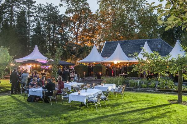 GERESERVEERD - Bistro het Koetshuis Enschede 450 m² Horeca groot terras en park foto 4