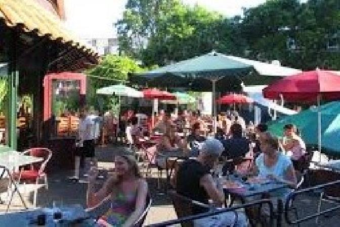 Italiaans restaurant pizzeria te koop op A-locatie! foto 1