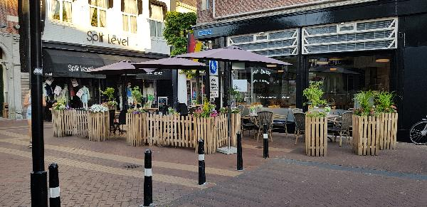 Eetcafé met Terras en Bezorgservice  foto 16