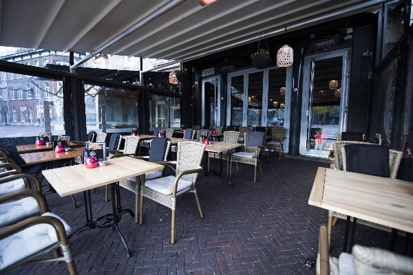 Cafe op horecaplein van Roermond foto 17