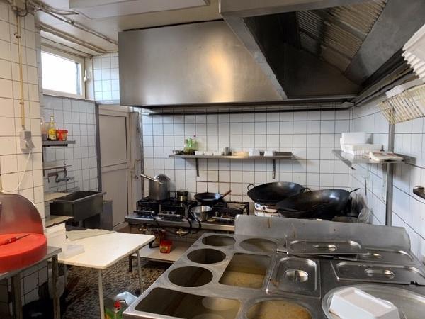Cafetaria / Chinese-afhaalzaak in winkelcentrum Breda foto 6