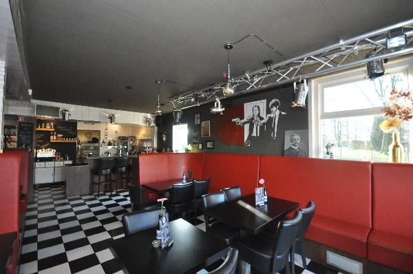 Te koop, goed Gezellig bekend staand Burgerbar-Restaurant met ruim terras in Barneveld    foto 4