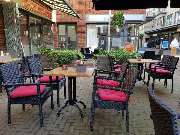 Cafetaria Eetcafé op super doorloop locatie in winkelcentrum met veel passanten  foto 11