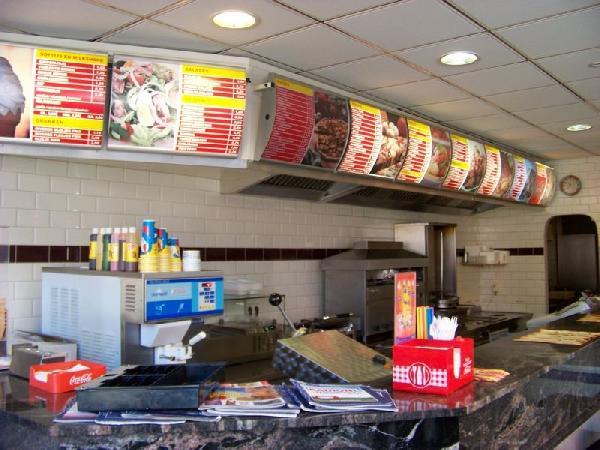 Goedlopend cafetaria in Molenhoek foto 2